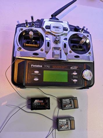 Futaba T7C (1d).jpg